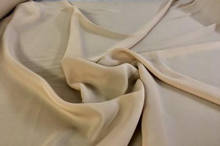 Tissu cr pe de chine au m tre chez planete tissus for Tissu exterieur au metre