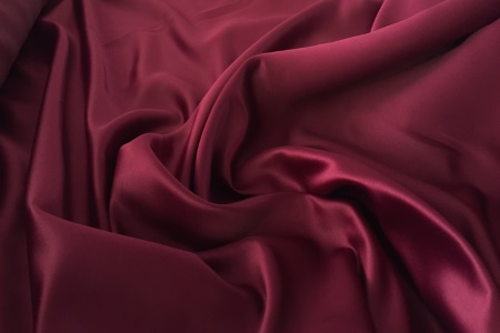 Satin duchesse bordeaux